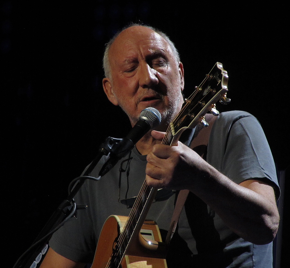 Pete Townshend at TD Garden in Boston, Massachusetts March 7, 2016