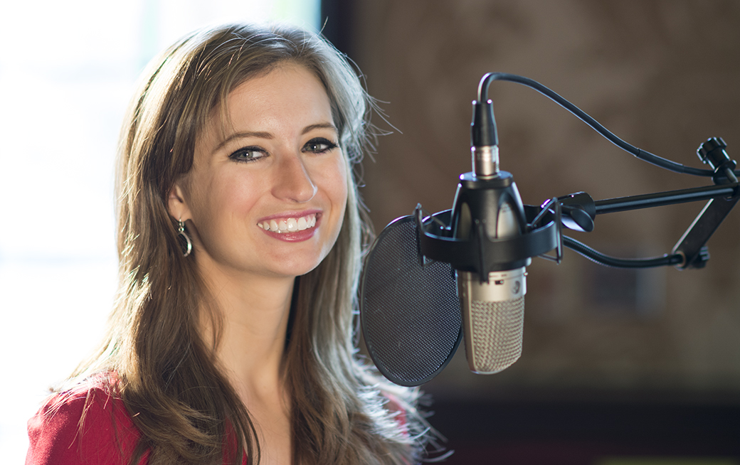 Lauren Kuhn, Miss Massachusetts 2014, getting ready to sing. Photo by Render Edge Media, LLC.